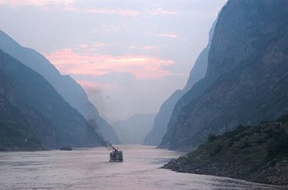 800px-Dusk_on_the_Yangtze_River.jpg
