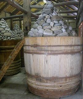味噌蔵の木桶(愛知県岡崎市のまるや八丁味噌).jpg