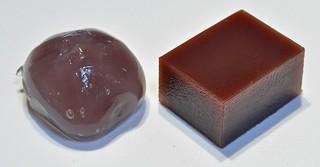 水羊羹(右)と葛饅頭(左).jpg