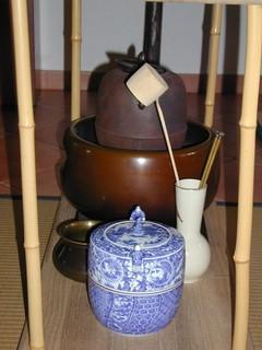 茶道で使用する風炉.jpg