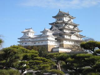 Himeji_Castle_The_Keep_Towers.jpg
